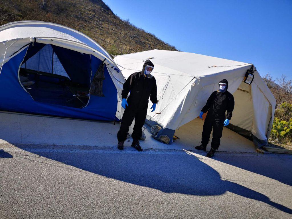 Solak: Postavljeni trijažni šatori na 14 graničnih prijelaza