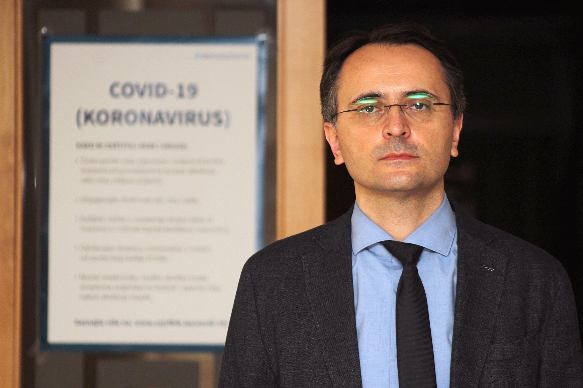 """Dr. Sanjin Musa:  """"Provođenjem mjera smanjiti rizik od ponovnog porasta broja COVID-19 slučajeva, cijena nekontroliranog širenja virusa je visoka"""""""