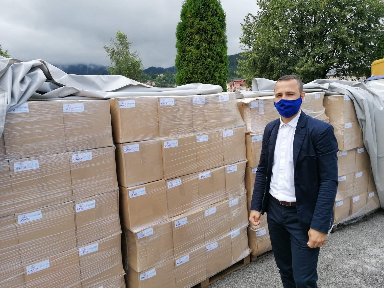 HIGIJENA ZA SVE: USAID i UNICEF donirali higijenske pakete i dezinfekciona sredstva djeci i porodicama